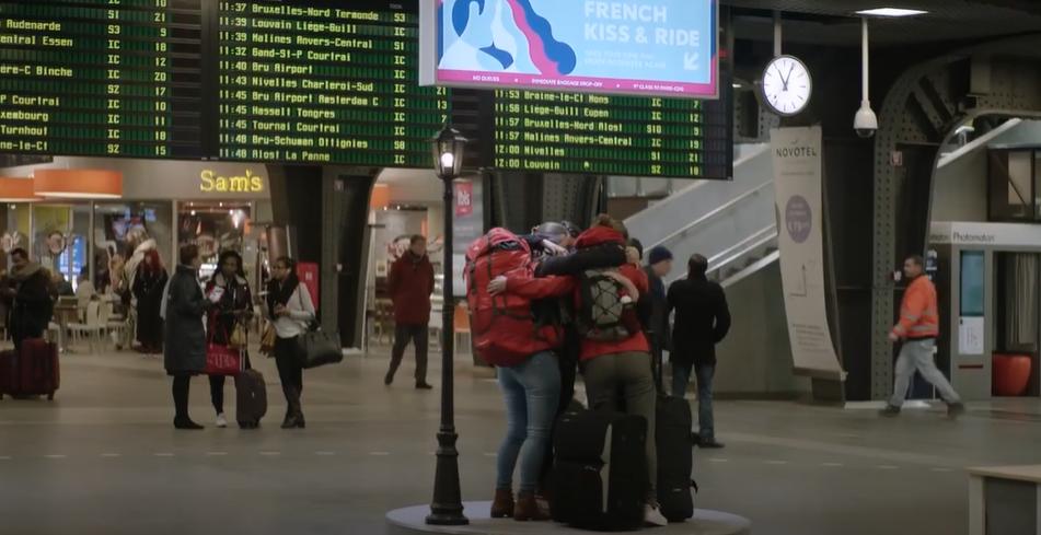 Beijo Francês E Passeio Na Bélgica
