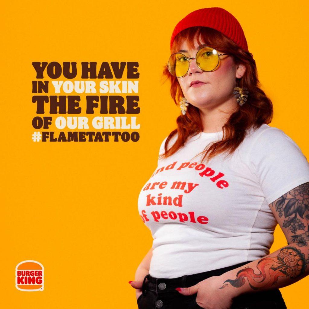 Um Hambúrguer De Fogo Por Uma Pele Com Fogo